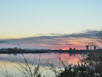 夜明けの荒川