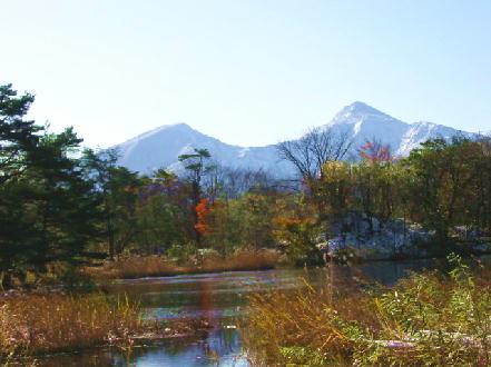 初冬の磐梯山レンゲ沼(福島県)