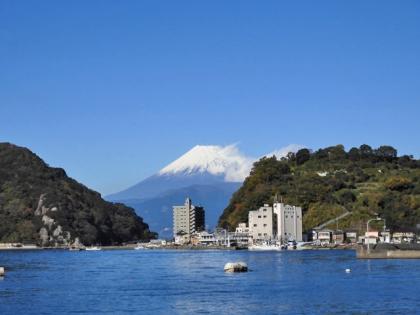 船着き場からの富士山