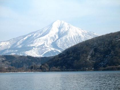猪苗代湖冬景色